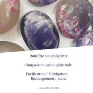 Rubellite sur Anhydrite