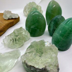 Fluorite brute et en forme libre