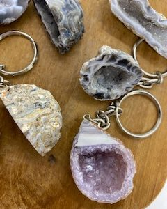 Porte-clefs en pierre naturelles, Améthyste, Agate, Cristal de roche en bouquet.